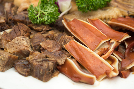 There are many kinds of meat on the plate Stockfoto