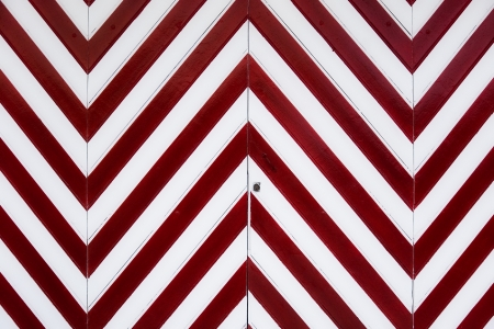 vertices: garage door with red and white diagonal lines