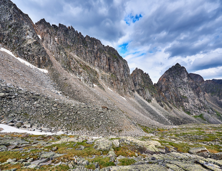 tunka range: Destruction of ridge under the influence of weathering erosion. Eastern Sayan. Buryatia Stock Photo
