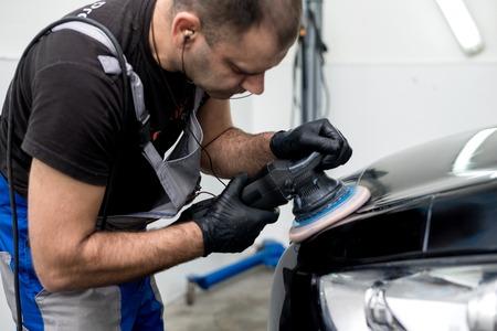Pulido máquina pulidora del coche negro de acabado pulido Foto de archivo - 66329878