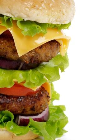 Sabrosa hamburguesa doble con queso con carne de res, tomate, lechuga y queso primer recorte camino