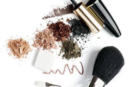 make up brushes: Make up Brushes, Eyeliner, Mineral Eyeshadow and Mascara isolated on white background