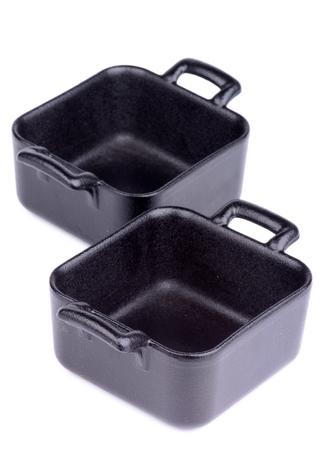 forme carre: Fonte Two Little Portion Carr�, rago�t pots isol�s sur fond blanc