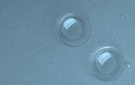 lentes contacto: Dos lentes de contacto con gotas de agua aisladas sobre fondo Wet Top View