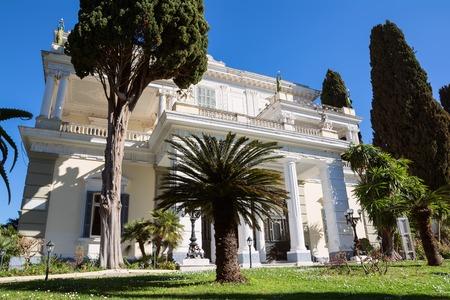 Achilleionpaleis in het eiland Corfu, Griekenland, gebouwd door keizerin van Oostenrijk Elisabeth van Beieren, ook bekend als Sisi.