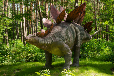A huge prehistoric monster in the forest 版權商用圖片
