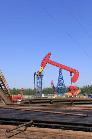oilwell: In oilfield, the workers in hard work