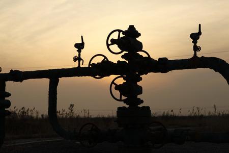 Lfeld-Szene, Öl-Pipelines und Anlagen Standard-Bild - 34349403