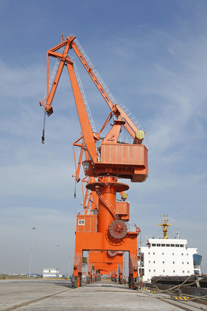 freeport: Port gantry crane, used for loading and unloading of goods