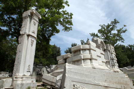 humiliation: The ruins of the old Summer Palace and exquisite stone carvings Editorial
