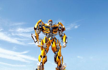 Transformers sculpture - bumblebee 報道画像