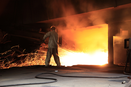 crucible: Steel workshop, the workers are working