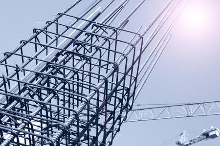 Staalnet op de bouwwerf Stockfoto