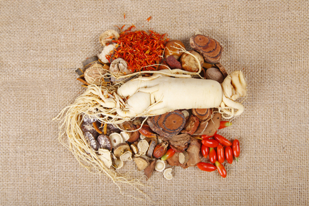 ginseng roots: Traditional Chinese medicine and ginseng, close-up Stock Photo