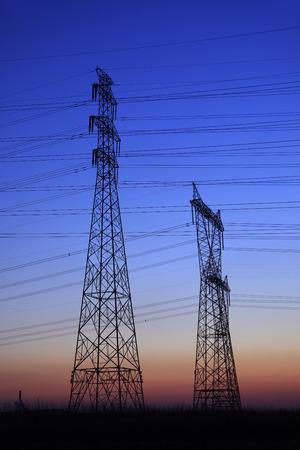 power electric: La noche del contorno pilón