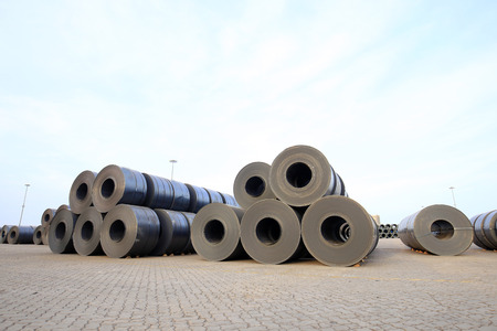 roll steel in harbor, Cold rolled steel coils