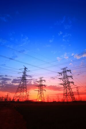 The silhouette of pylon, the pylon in the evening Stockfoto