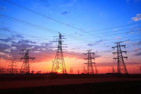 The silhouette of pylon, the pylon in the evening Foto de archivo
