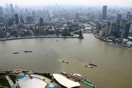 huangpu: Shanghai Oriental Pearl TV Tower to see the Huangpu River Stock Photo