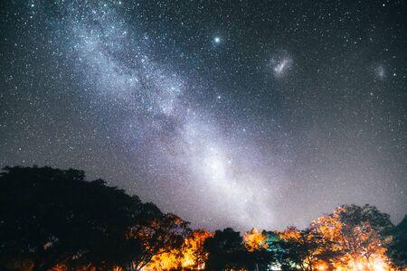 La magnífica vía láctea en australia Foto de archivo