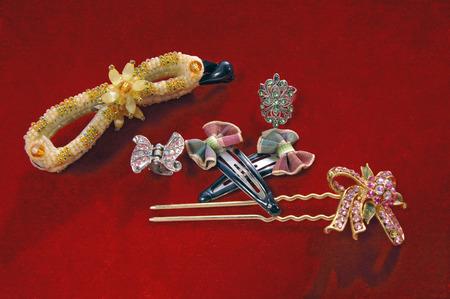 Chinese Ohrringe und Schmuck