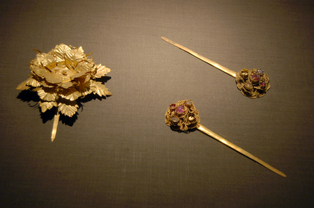 article of clothing: Ancient Chinese Jewelry