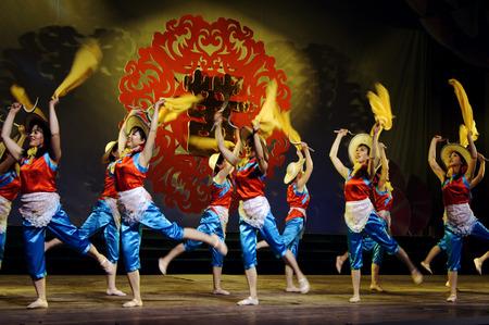 fr�hlingsfest: Spring Festival theatrical performances Editorial