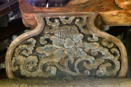 south sichuan: Temple architecture sculpture