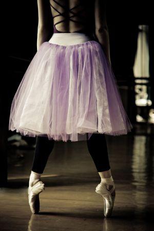 pantimedias: bailarina de ballet en sus dedos  Foto de archivo