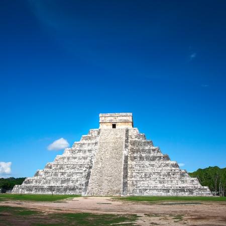 pyramid Chichen Itza, Mexico photo