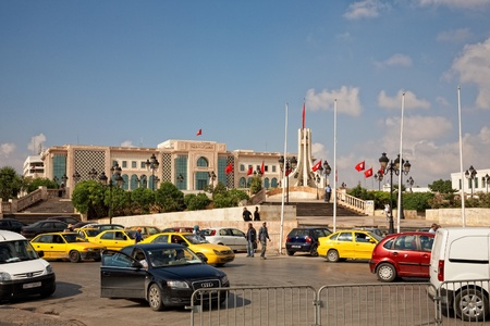 electioneering: TUNIS, TUNISIA - OCTOBER 5: Heavy traffic close to city hall of Tunis due to higher security measures before elections on October 5, 2011 in Tunis. On October 23 Tunisians are set to vote for a constitutional assembly.