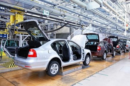 Mlada Boleslav, RÉPUBLIQUE TCHÈQUE - 16 avril: Skoda Auto célèbre le 20e anniversaire de l'association avec Volkswagen par journée portes ouvertes le 16 avril 2011 à Mlada Boleslav Banque d'images - 11366663