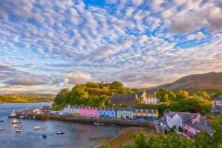 ポートリー日没、スカイ島, スコットランド, イギリス前に、の表示します。