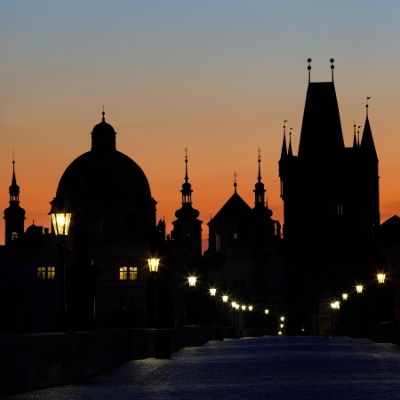 praha: Charles Bridge before dawn, Prague, Czech Republic