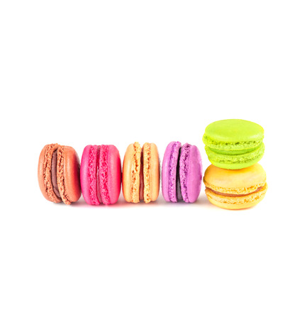 macarons de colores en fondo blanco photo