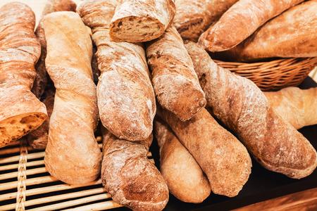 tas de baguette frais français