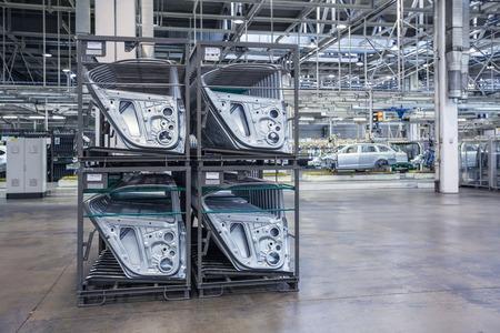 auto-onderdelen in een fabriek