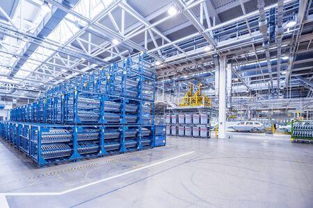 Ersatzteile in einer Autofabrik Standard-Bild