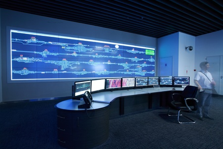 developed: La tecnolog�a moderna electr�nica dentro de la sala de control