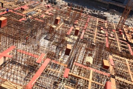 materiales de construccion: para hacer edificios más seguros barras de hierro establecido