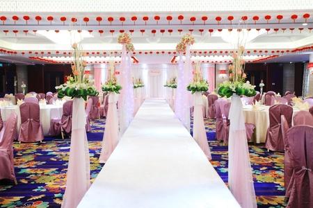 호화 결혼식 피로연에서 테이블 설정의 이미지 에디토리얼