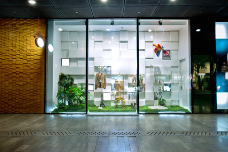showwindow  in modern shop