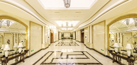 moderne interieur van het hotel en de corridor