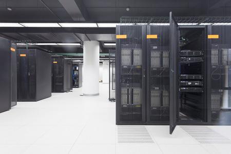 データ センター内の通信サーバー 写真素材