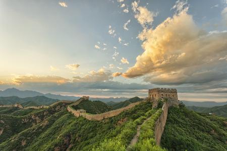 スカイラインと万里の長城