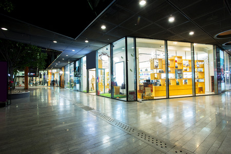 storefront in shopping mall Éditoriale