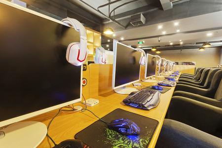 cafe internet: Interior cibercaf�