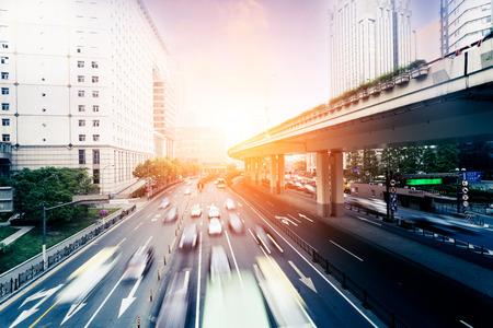 Los coches en la carretera con el desenfoque de movimiento Foto de archivo - 36087623