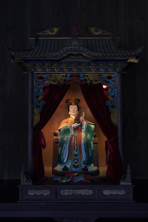 taoisme: taoism standbeeld in relikwie