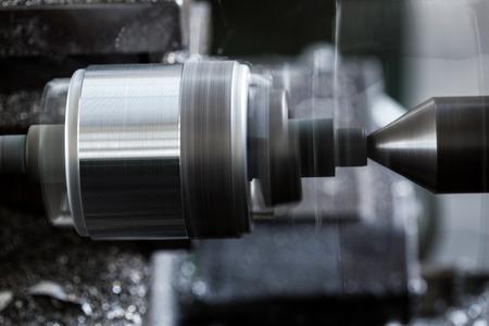 herramientas de mecánica: Máquina industria obsoleta que trabajan en la fábrica